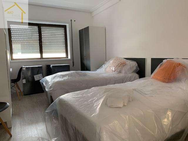 Arrenda-se quarto duplo no centro de Aveiro