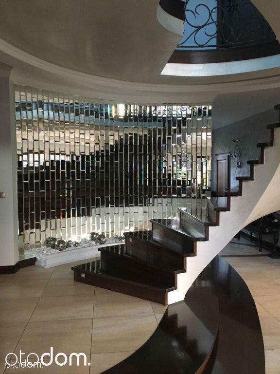 Dom, 650 m², Świerczyniec