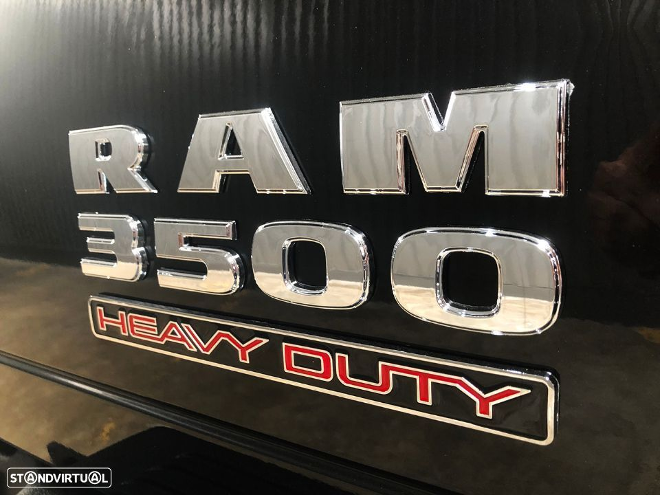 Dodge RAM 3500 Dually Cummins 6.7L Heavy Duty Quadcab Turbo Diesel Bluetec RESTYLE - 50