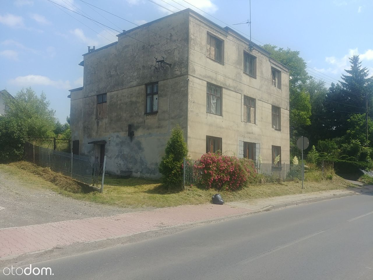 Duży Dom możliwe 6 mieszkań lub usługi handel