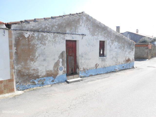 Moradia em Campinho para reconstruir