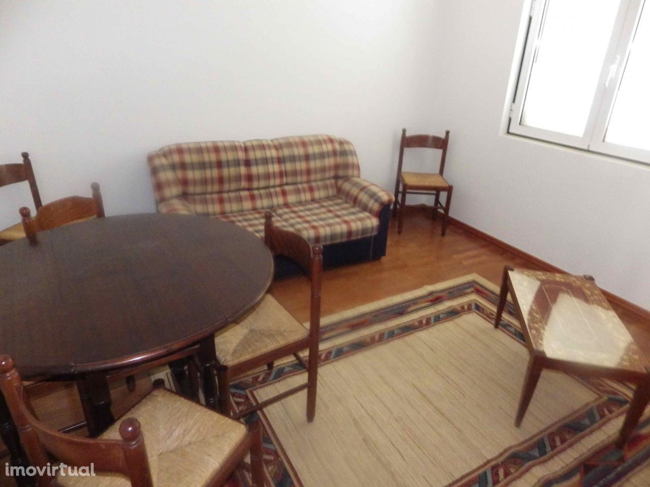 Apartamento T2 a 50 metros da praia de São Martinho do Porto
