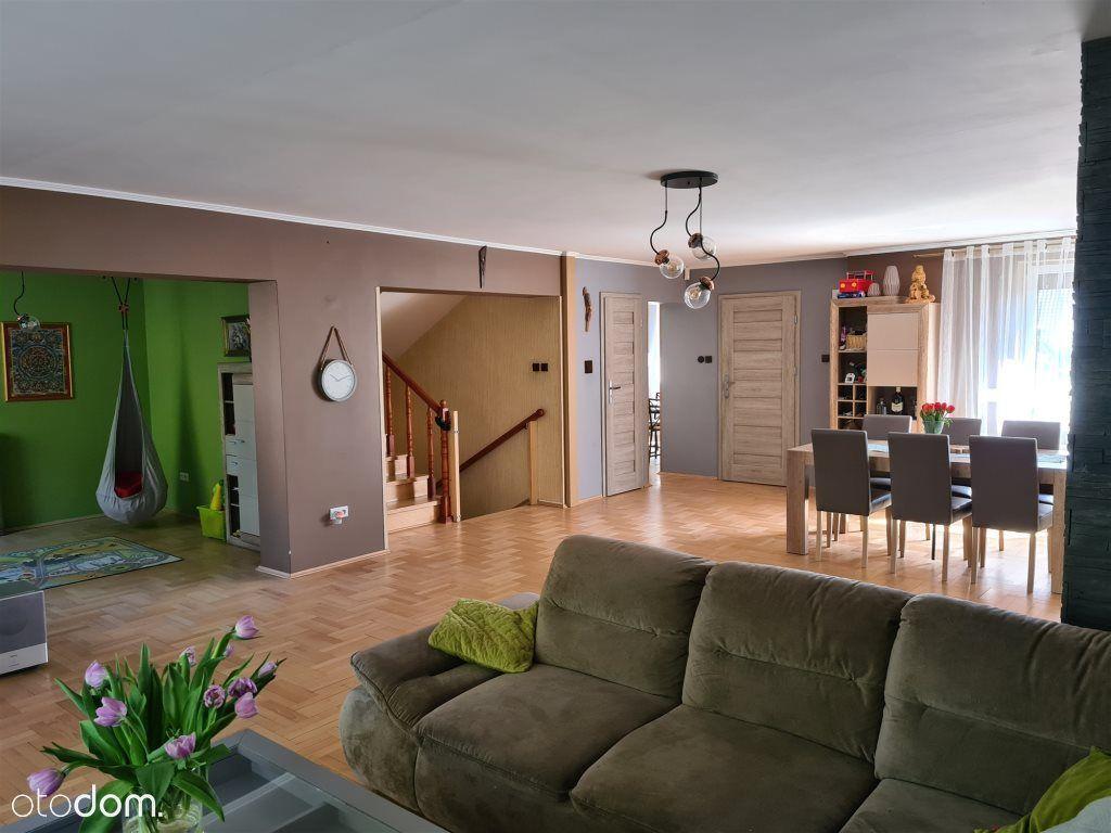 Wyjątkowy Dom Z Funkcjonalnym Rozkłdem Pomieszczeń