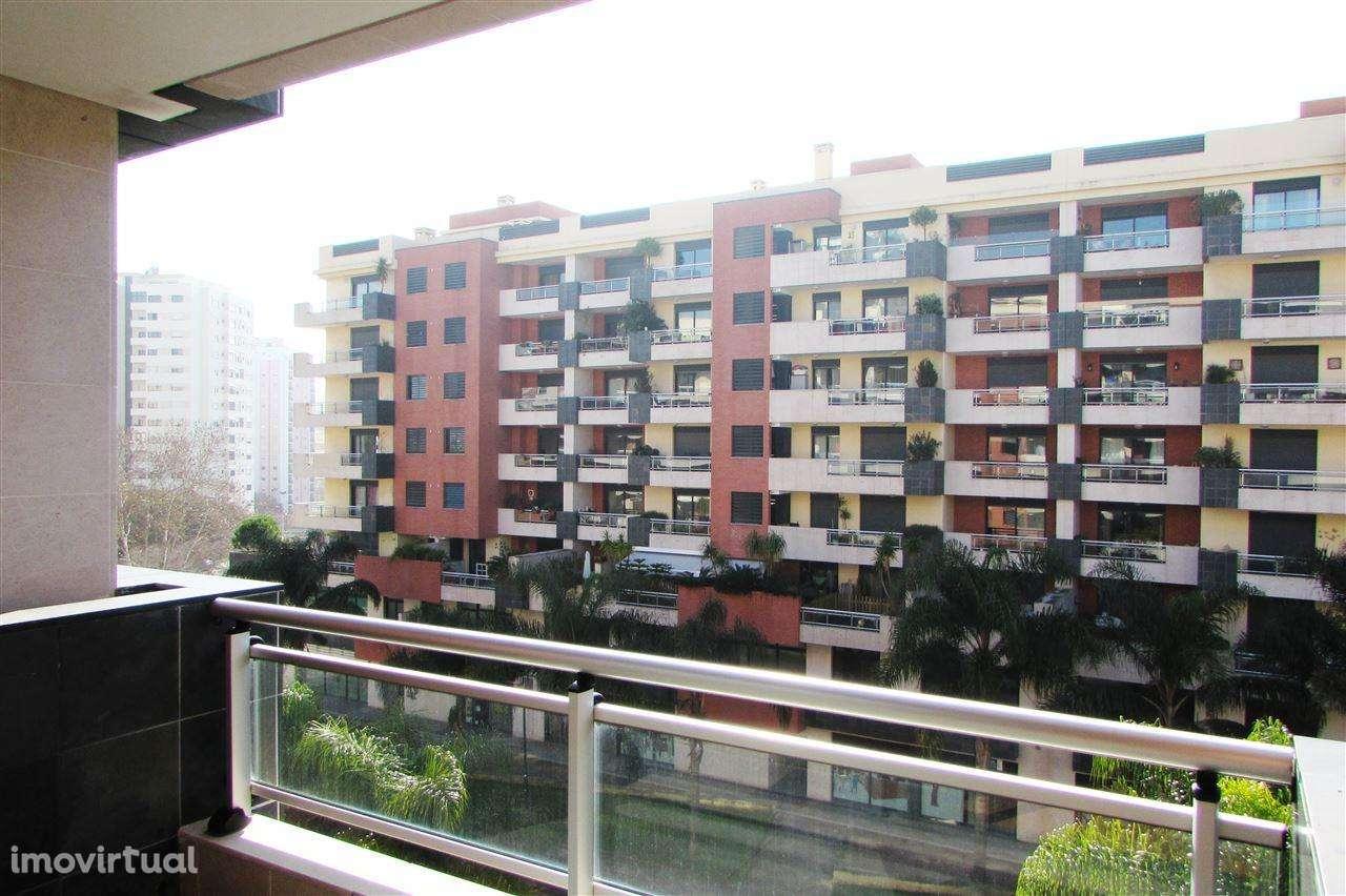 Apartamento para comprar, Algés, Linda-a-Velha e Cruz Quebrada-Dafundo, Lisboa - Foto 17