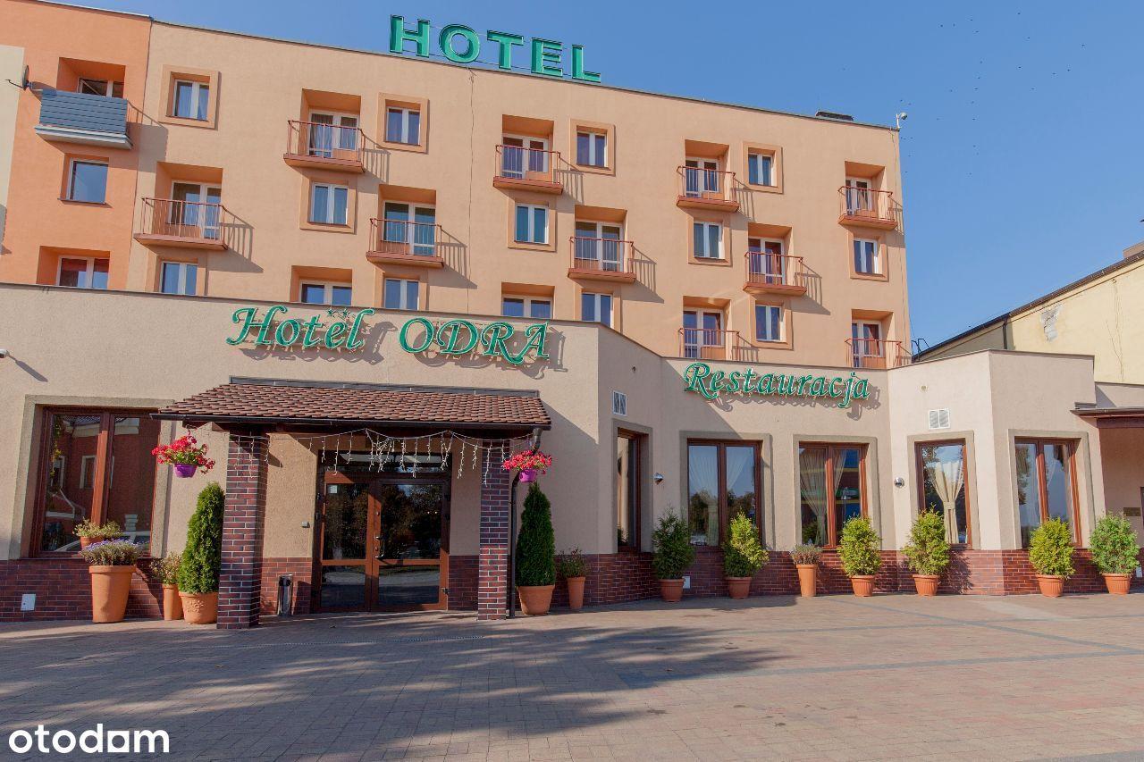 Hotel z długoterminową umową najmu w Krośnie Odrz.