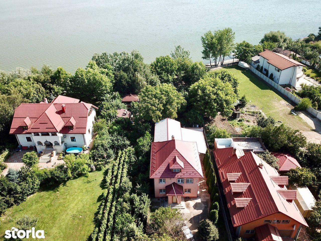 Vila 6 camere deschidere la lac Mihailesti, terasa, 2 garaje