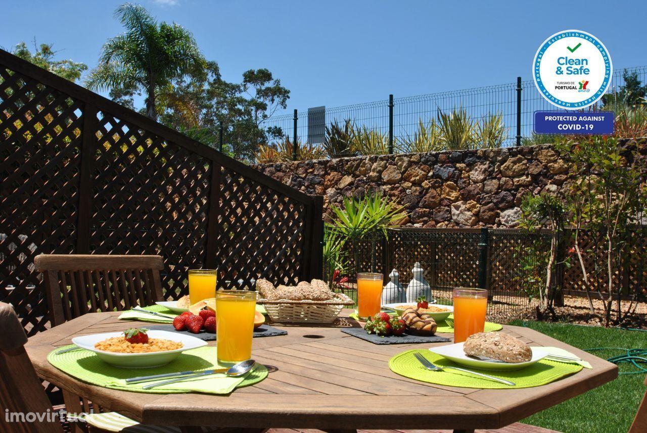 Cancun - Moradia T2 Algoz, AC, Wifi, Barbecue, Jardim