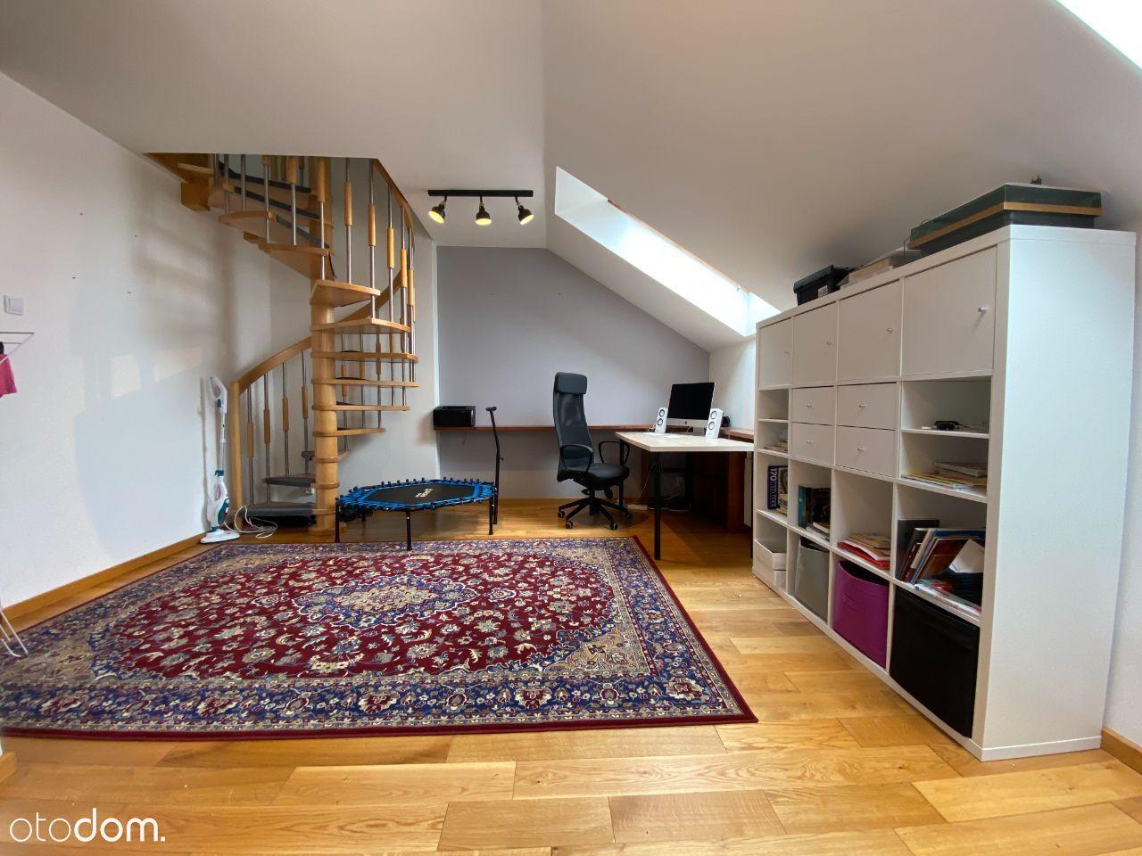 79m2, 3 pok. + salon z kuchnią, 2 poziomy, parkiet