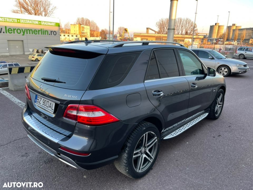 Mercedes-Benz ML 350 - 32