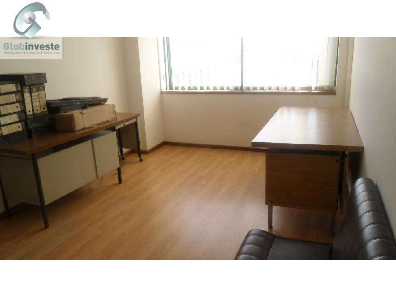 Escritório para arrendar, Espinhosela, Bragança - Foto 1