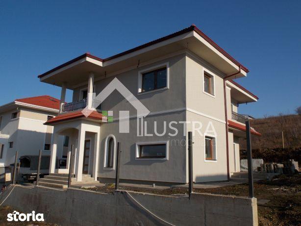 Casa, 4 camere,  de vânzare, în Gheorgheni