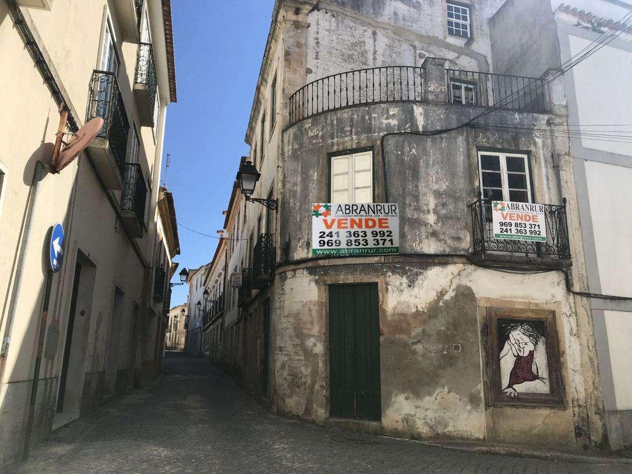 Prédio para comprar, Abrantes (São Vicente e São João) e Alferrarede, Santarém - Foto 1