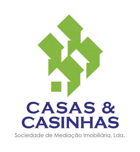 CASAS E CASINHAS