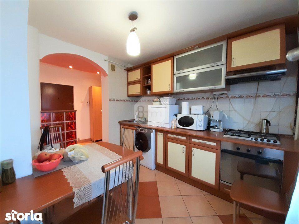 Vanzare Apartament 3 Camere, Decomandat, 80 mp, Zona Piata Marasti !