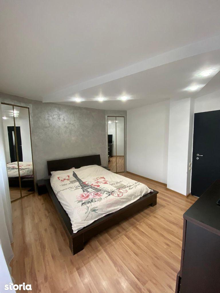 Apartament 3 camere zona 22 Decembrie