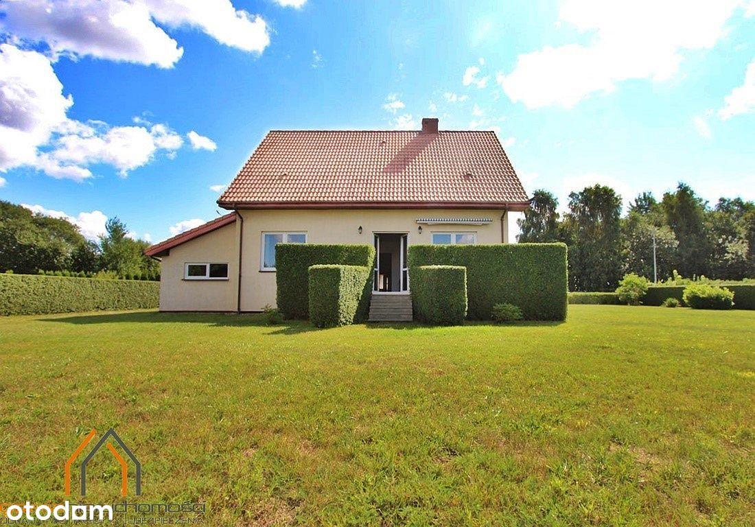 Atrakcyjny dom z garażem, ładna bryła, duży ogród