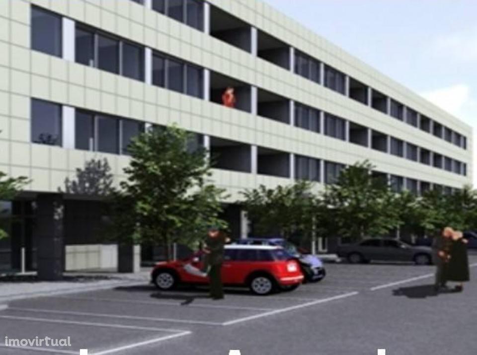 Lojas no Edifício Caíde Gold, Caíde, Lousada