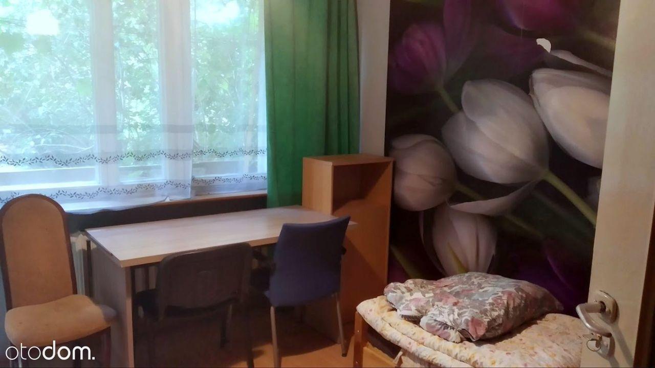 Pokój w 4-pokojowym mieszkaniu na Piaskach Nowych