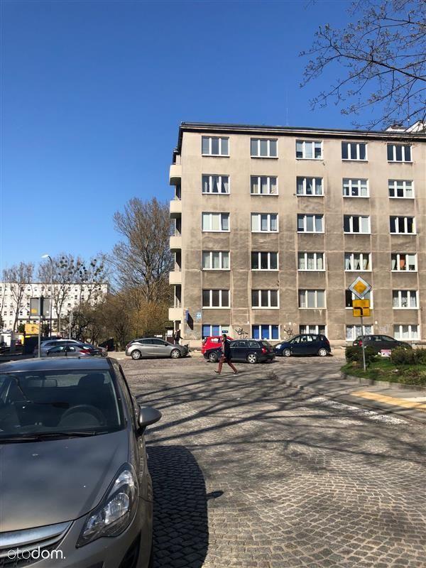 Ścisłe centrum Gdyni ul. Partyzantów blisko morza