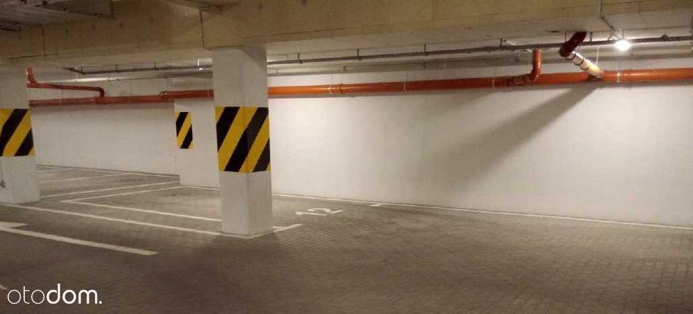Miejsce postojowe w hali garażowej Rzeczańska