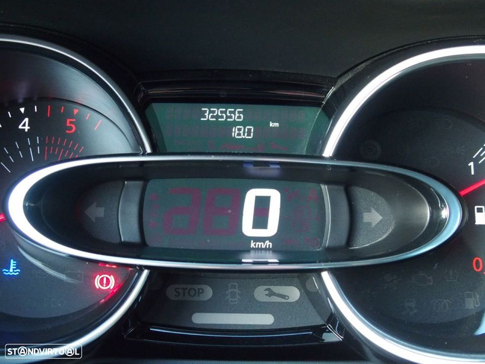 Renault Clio 1.5 Dci LIMITED GPS - 17