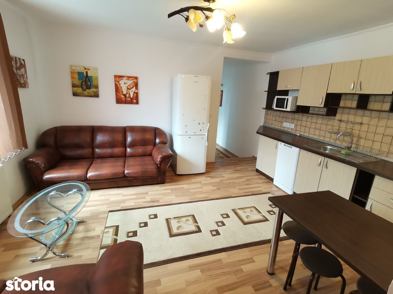 INCHIRIEZ apartament 3 camere la casa,renovat,zona Turnisor