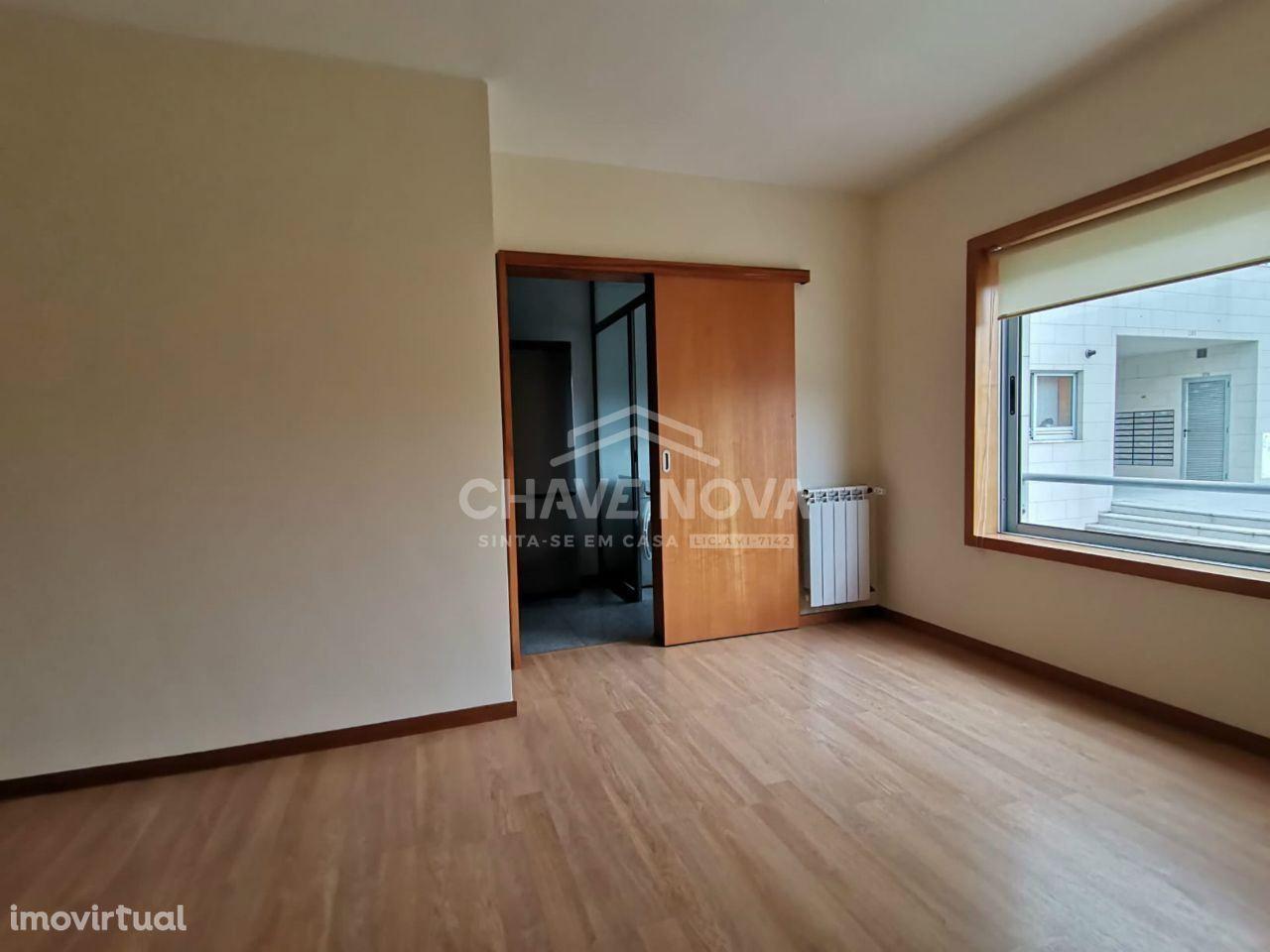 Apartamento T0 +1 - S. Mamede de Infesta