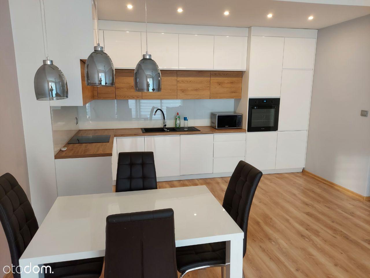 3 pokojowy apartament z 50m2 tarasem