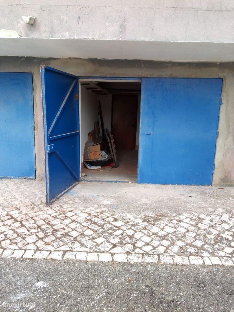 Garagem no Alto do Seixalinho