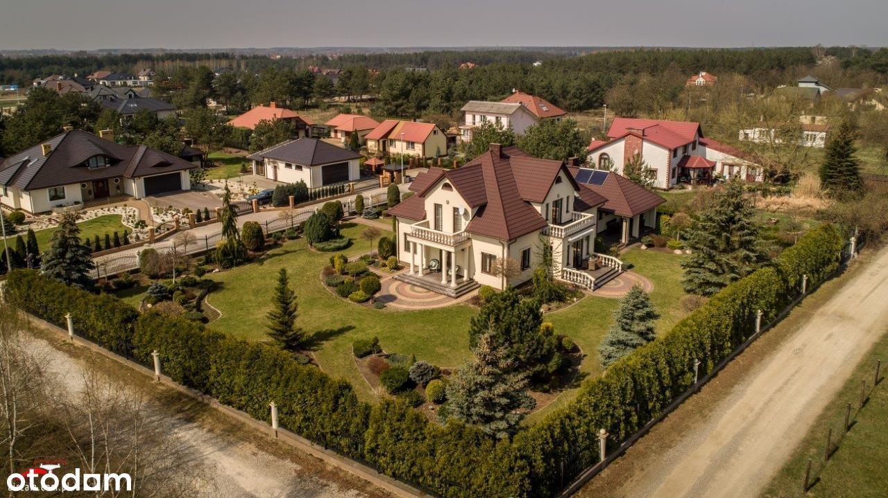Dom, 300 m², Ostrowiec Świętokrzyski