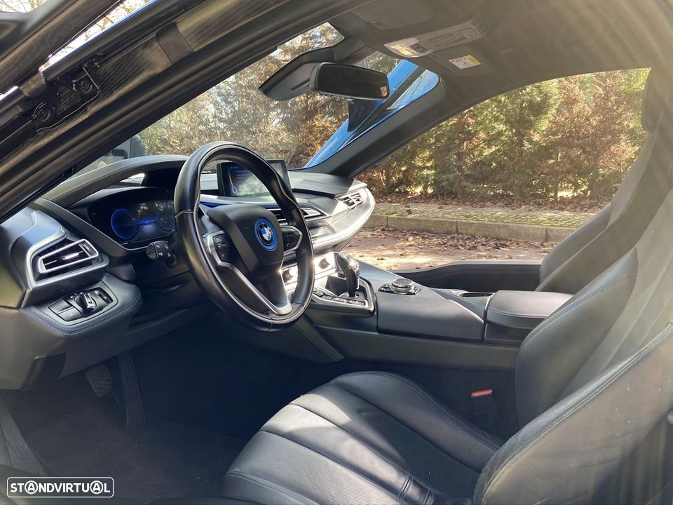 BMW i8 e-Drive Blue Protonic - 12