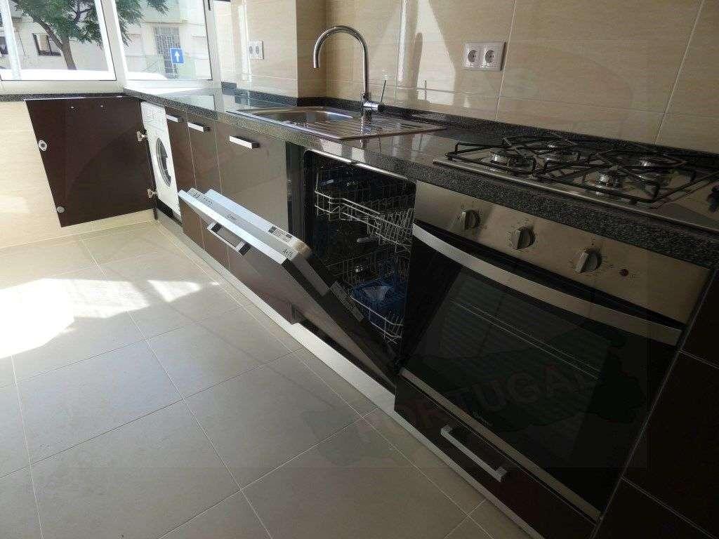Apartamento para comprar, Rua Elias Garcia, Falagueira-Venda Nova - Foto 3