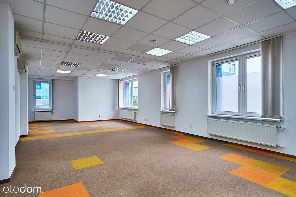 Biuro z parkingiem, blisko centrum, krótka umowa