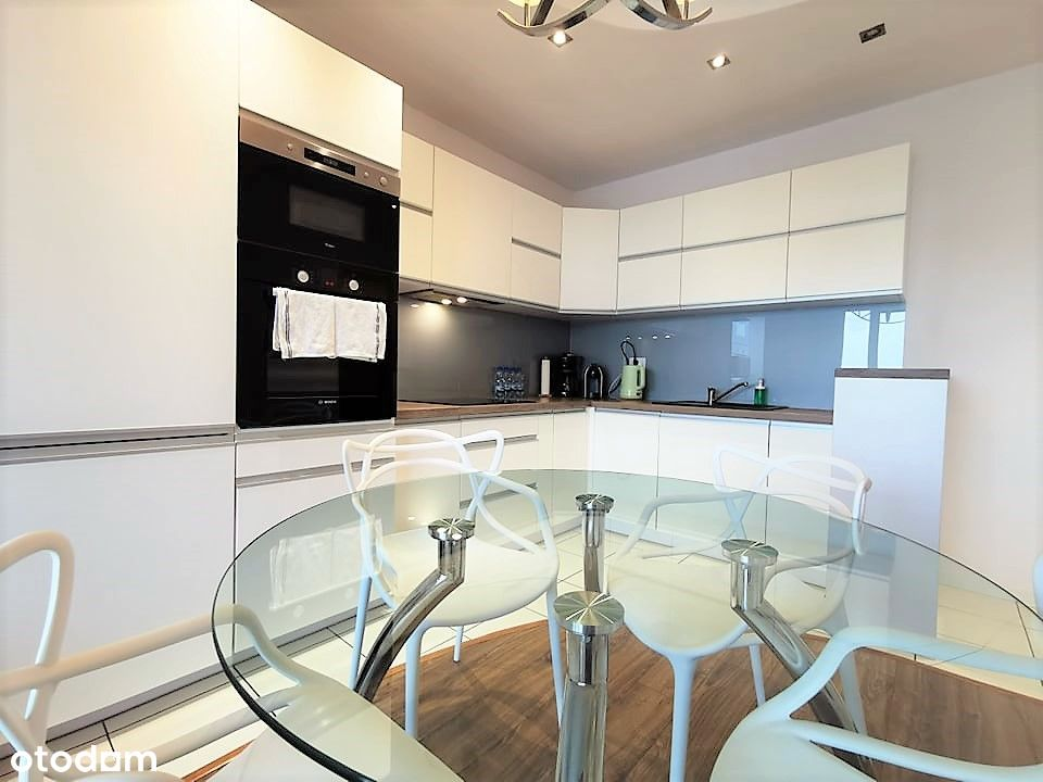 Mieszkanie 1,5 pokoju na 17p . Piękny widok
