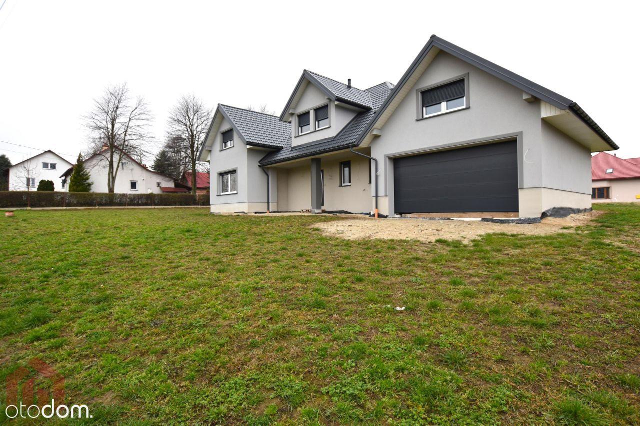 Przestronny dom zaledwie 12 km od centrum Rzeszowa