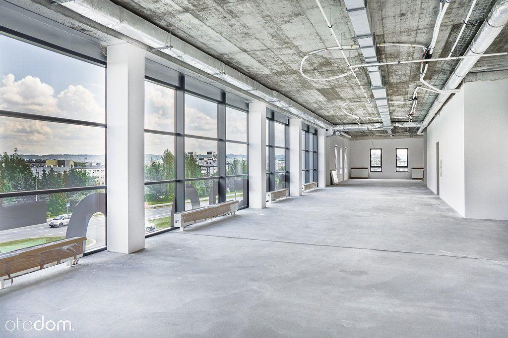 Nowe przestronne biuro w atrakcyjnej lokalizacji