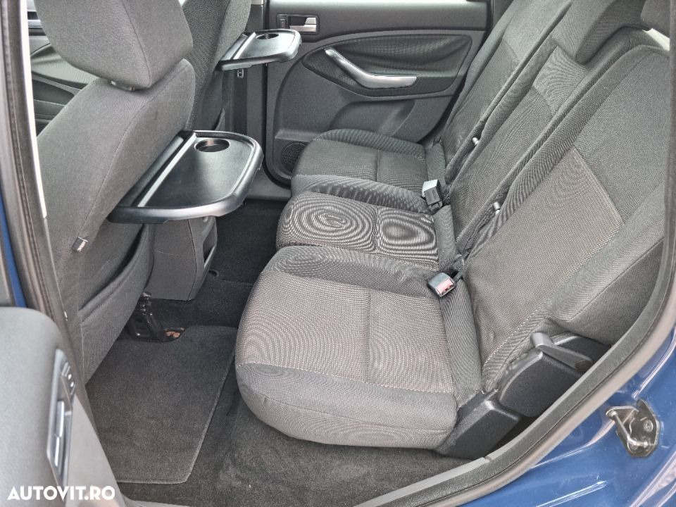 Ford C-MAX 2.0 - 11