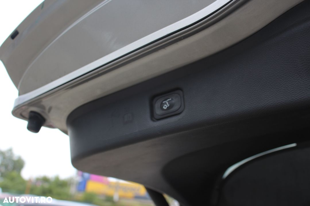 Ford S-Max - 19