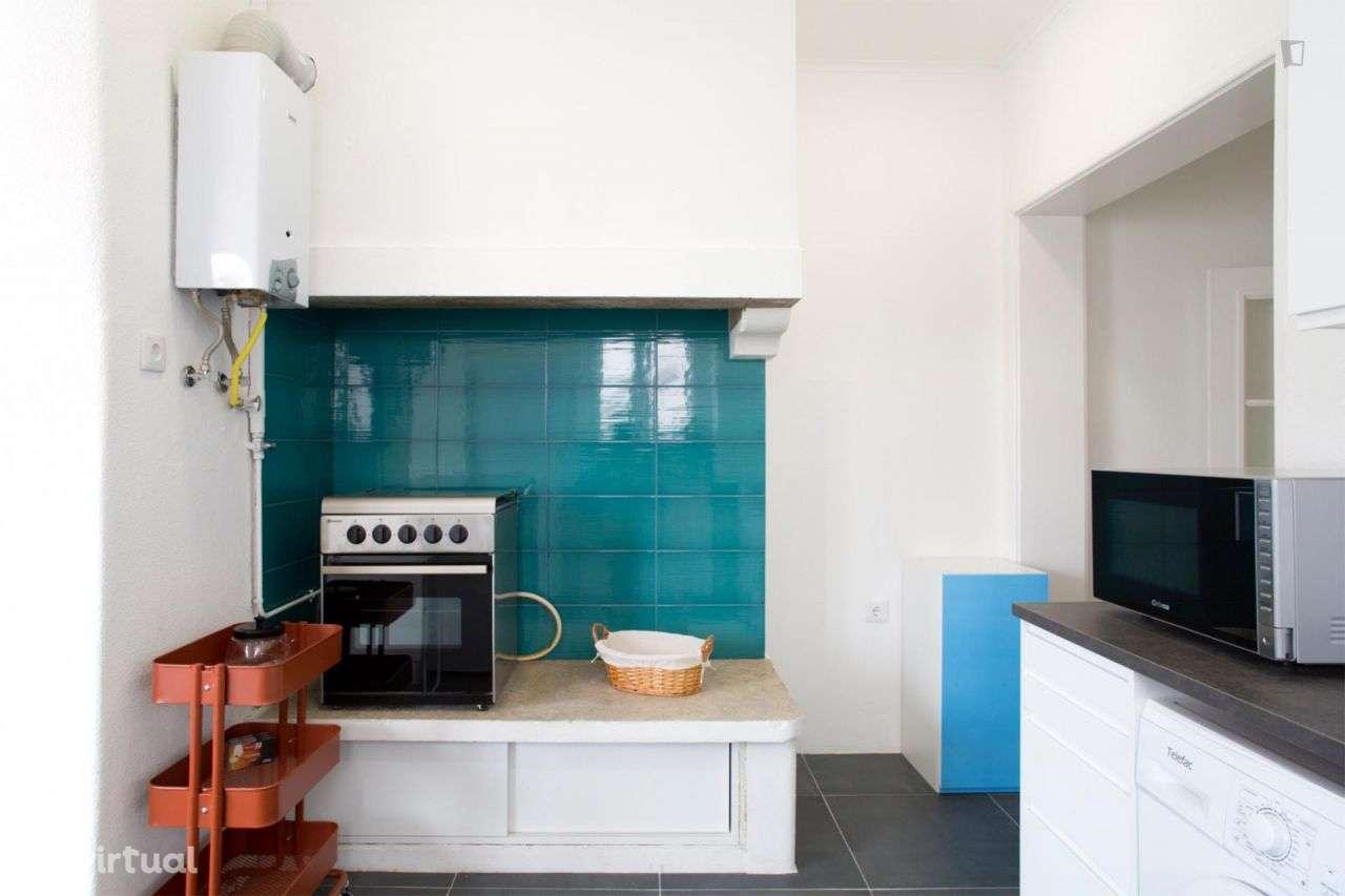 Quarto para arrendar, Areeiro, Lisboa - Foto 8