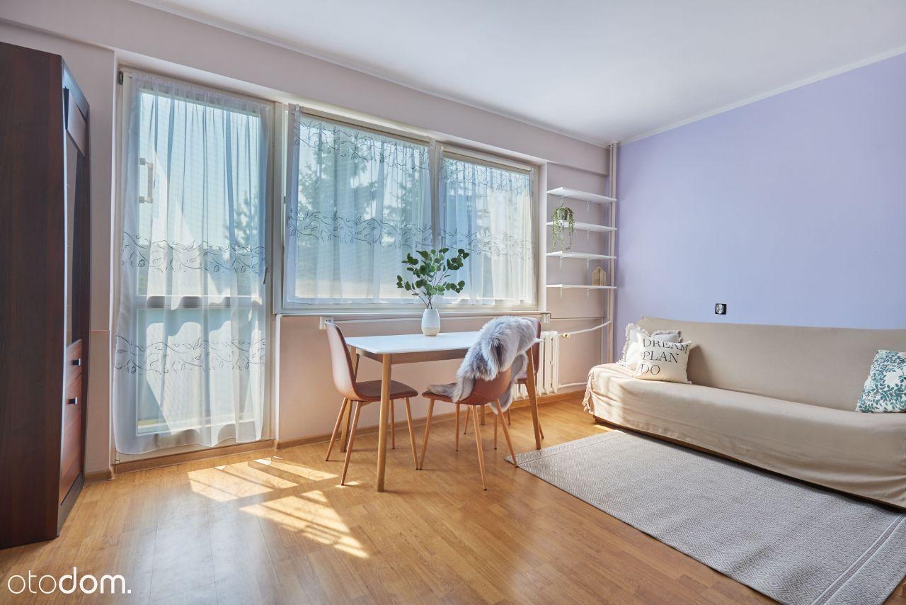 Kawalerka z balkonem, oddzielna sypialnia- Świadka
