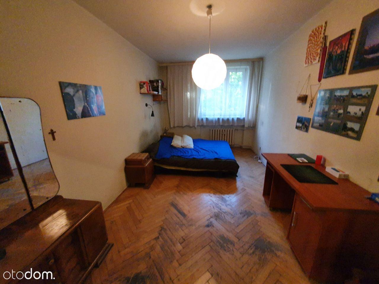 1 piętro, Co miejskie, balkon, 3 pokoje, centrum!