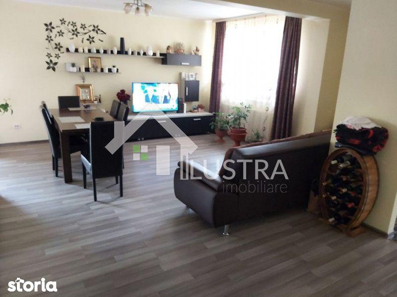 Casa, 4 camere,  de vânzare, în Floresti