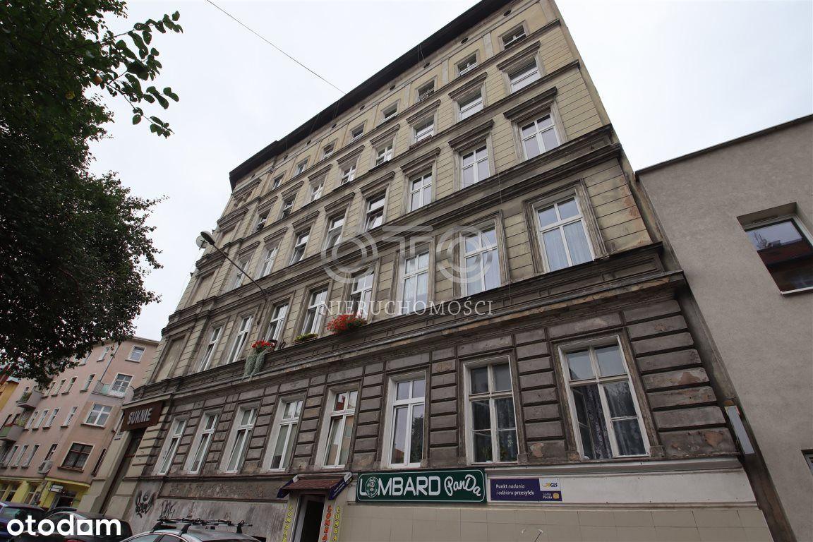 Śródmieście/Parter/Kamienica/Okna od ulicy
