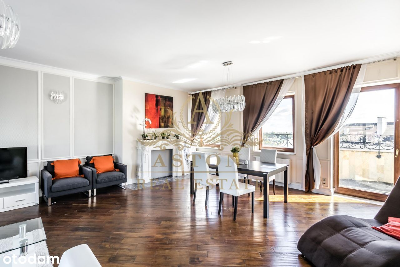 Penthouse with 3 terraces in Old Town