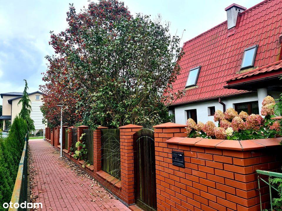 Przestronny bliźniak z pięknym ogrodem w Puławach
