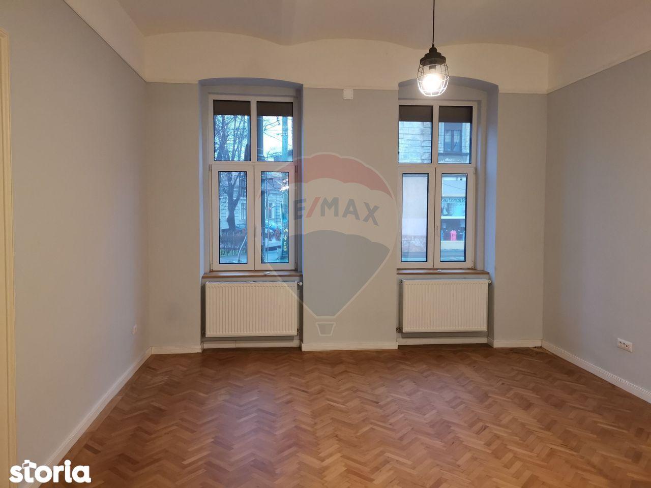 Apartament cu 2 camere de vânzare în zona P-ta Maria