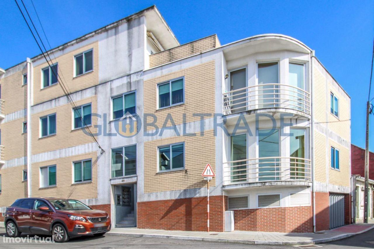 T2 Baguim Monte com varanda e 2 Wcs