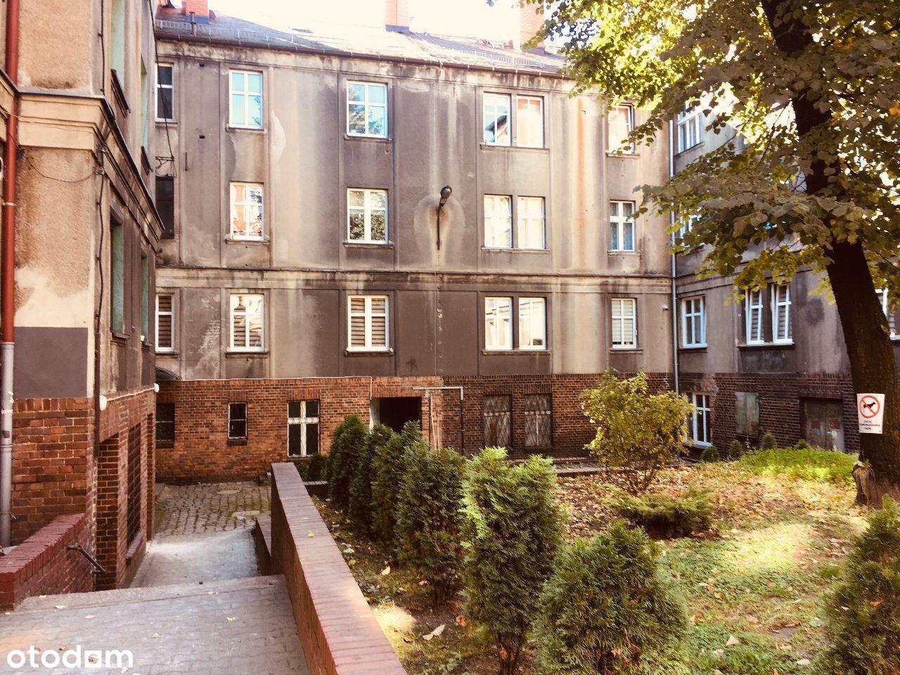 Duże i tanie mieszkanie w śródmieściu Bytomia.