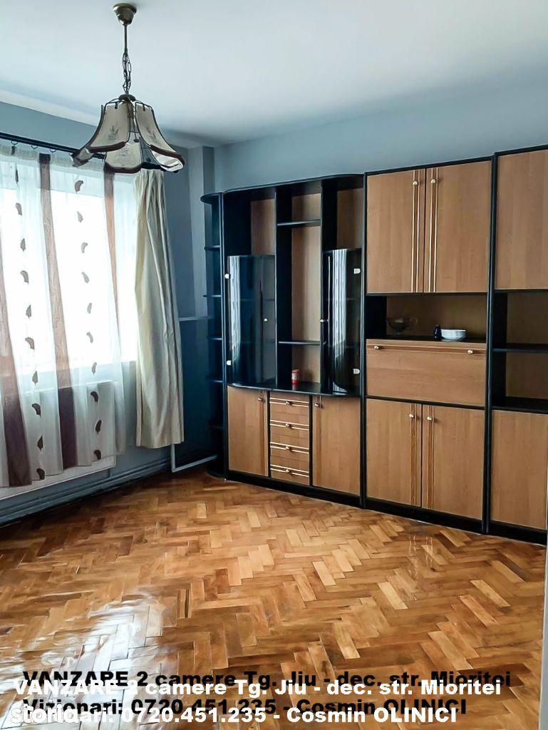VANZARE 3 camere TG JIU, cartier 9 MAI, lux, comision zero
