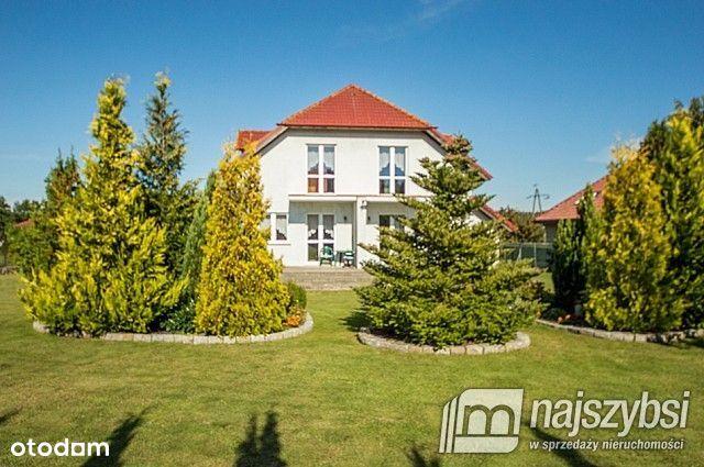 Dom, 400 m², Kołobrzeg